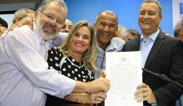 PREFEITURA DE IRAQUARA FIRMA CONVÊNIO PARA CONSTRUÇÃO DE UMA PRAÇA NO POVOADO DE MATINHA.